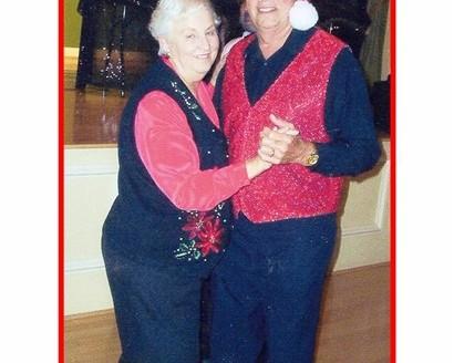 25a Santa Hersh & Mrs. Claus