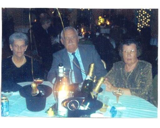 34 N Y's Eve Party 12-31-2002